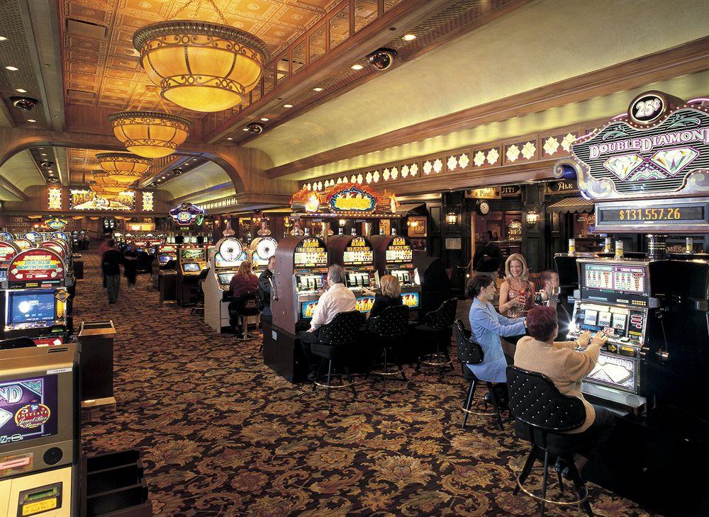 station casino online poker