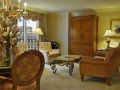 paris_las_vegas_living_room2